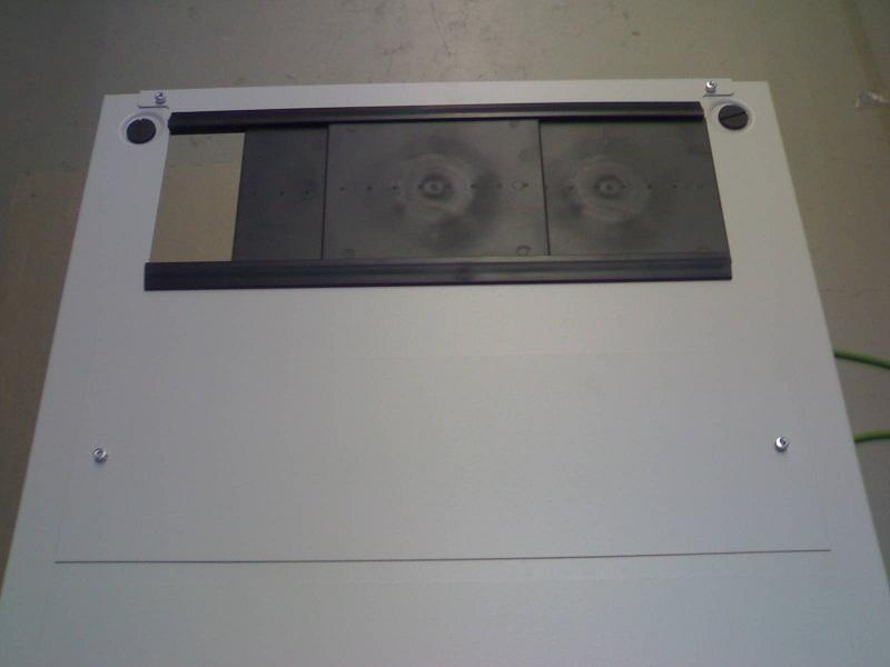 Katus kaabli ja ventilaatoriavaga