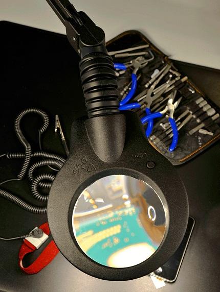 LED valgusti suurendusega, ESD