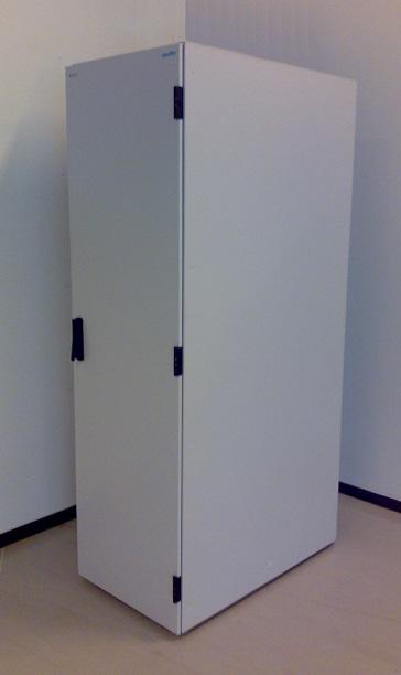 Miracel kaappi metalliovella 46U K2200 L600 S600-800