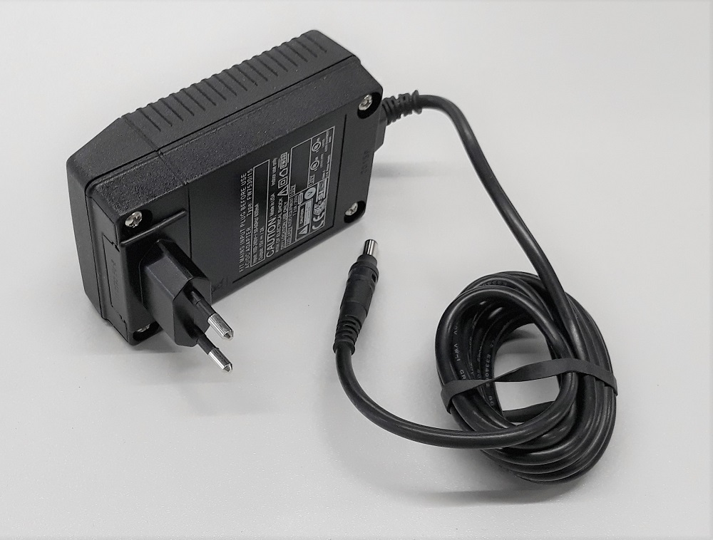 Trek Int. AC-Adapter for 156