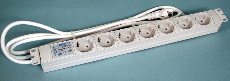 "DI-Strip (19"") standard, 7 sockets"