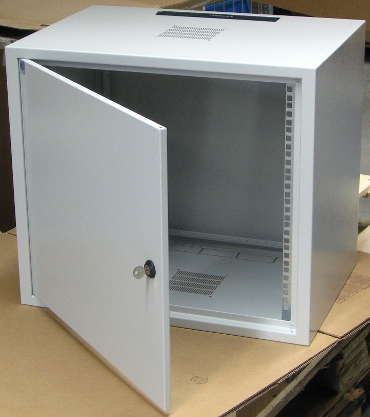 "19""Wall cabinet 10Ux400, metal door"