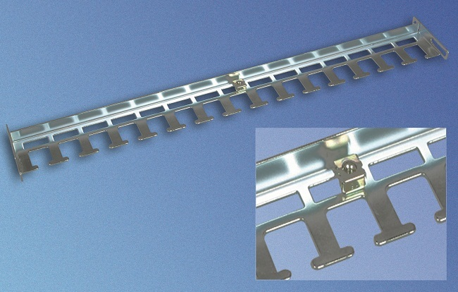 Cable routing brace D900